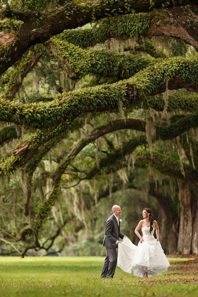 charleston wedding photography among the oaks